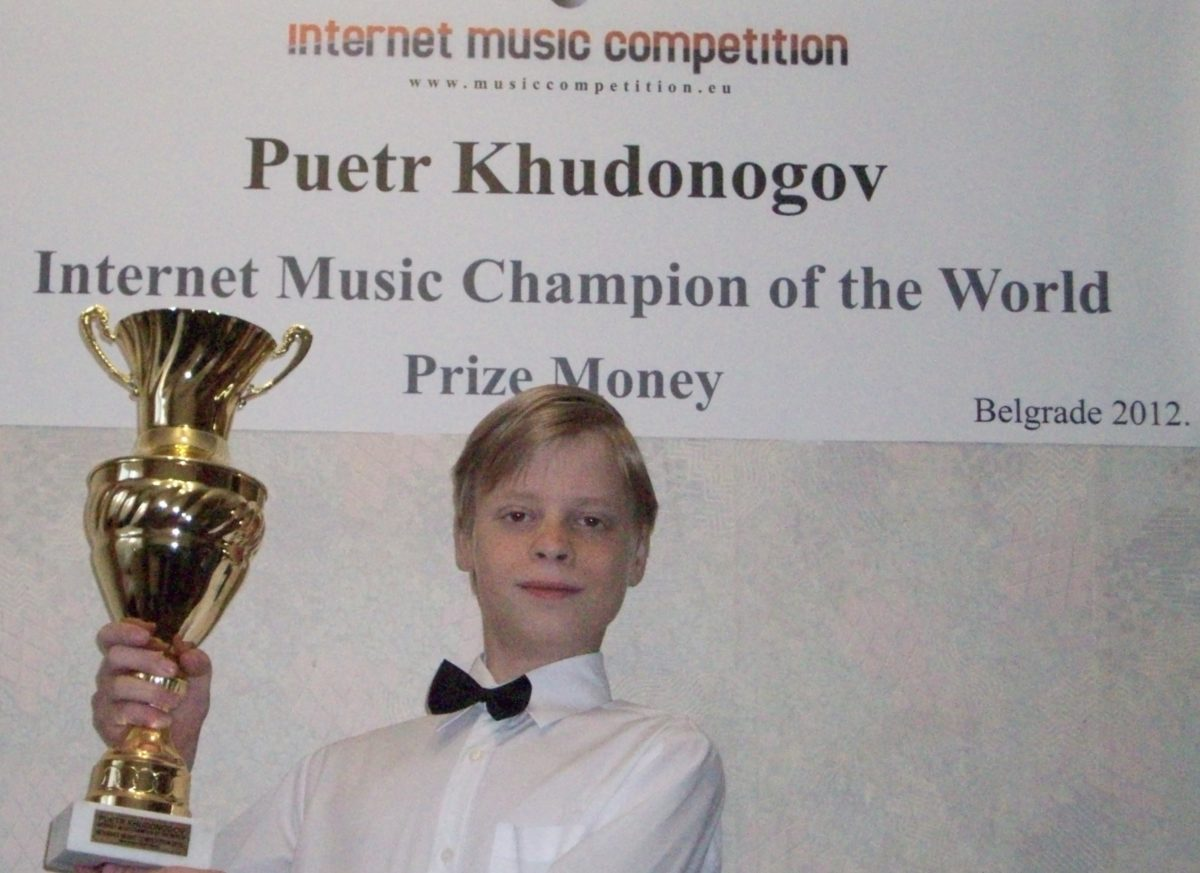 Puetr Khudonogov (Krasnoyarsk, Russia) – the absolute winner 2012